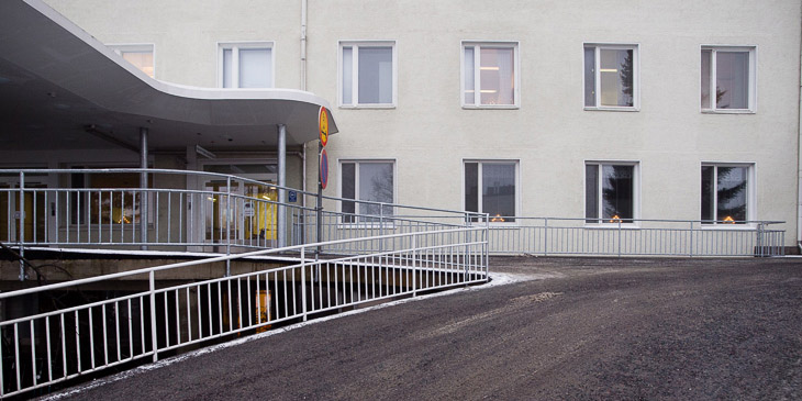 Loimaa Hospital's main entrance.